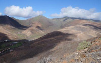 Pico de Zarza (807m) Fuerteventura, Spanien